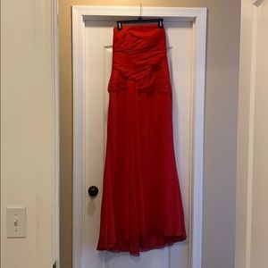Vera Wang Dresses - BEAUTIFUL RED VERA WANG DRESS SIZE 10